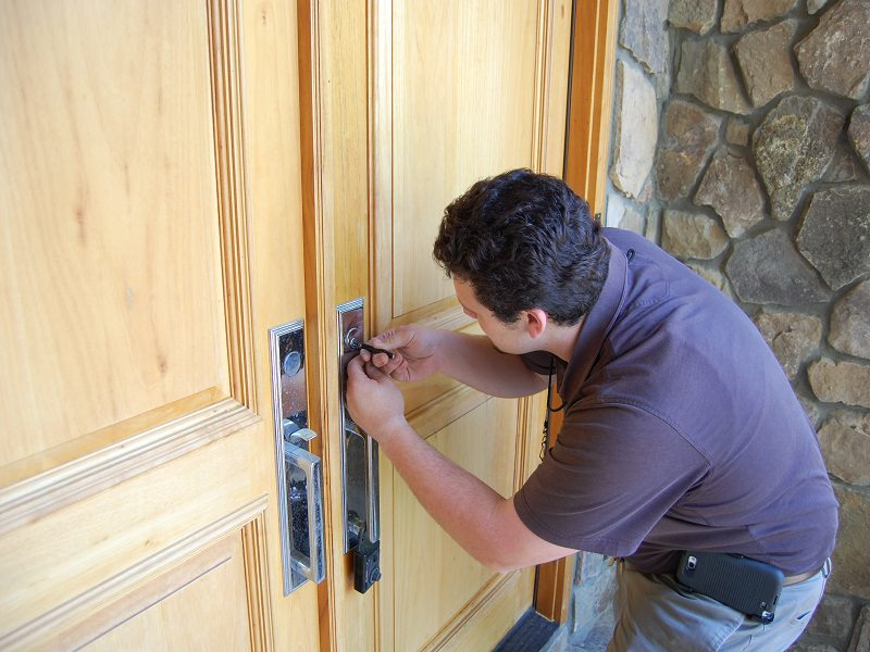 Choosing the Best Locksmith for Your Needs