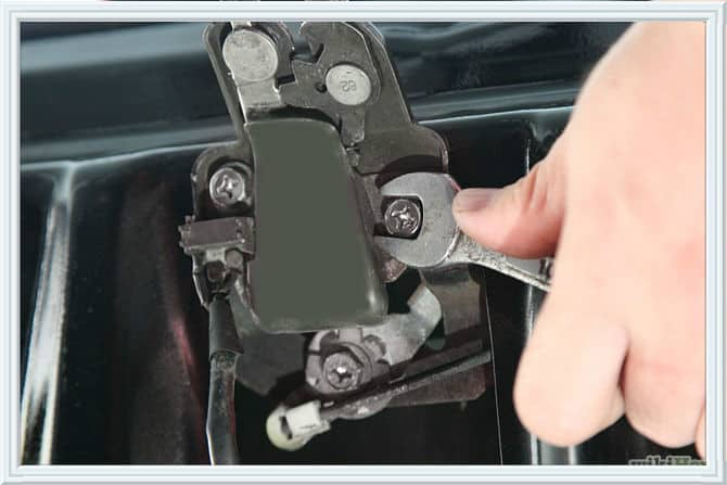 locked keys in trunk of car San Diego